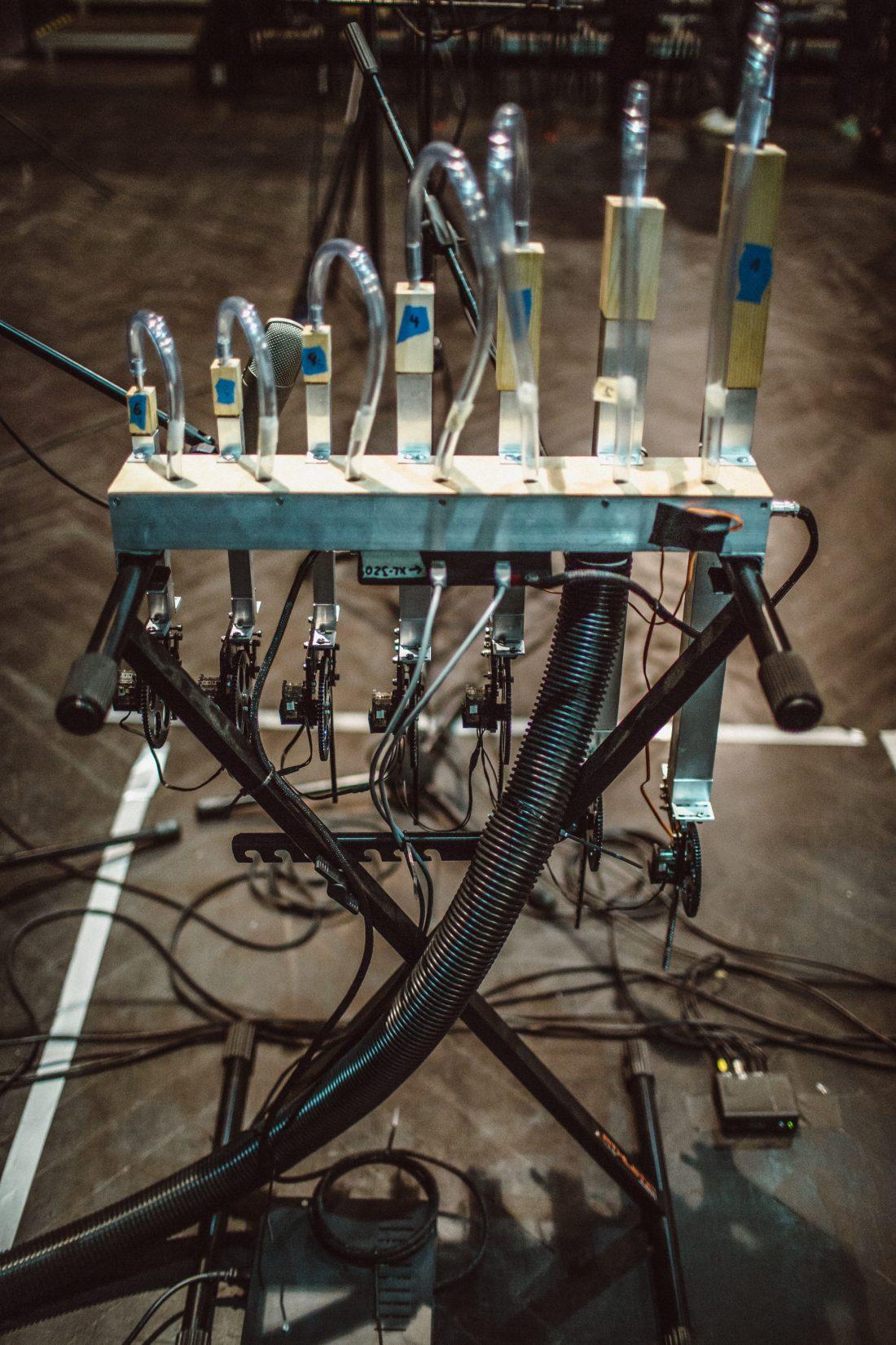 Acoustic Additive Synthesizer